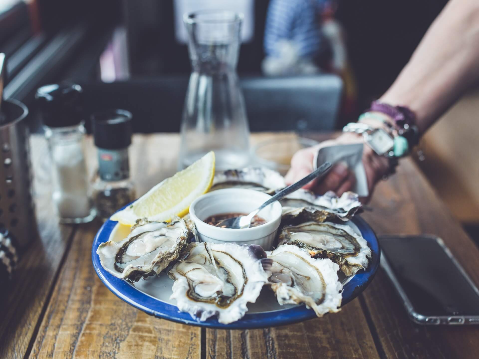 14 Of The Best Seafood Restaurants In Downtown Charleston Sc