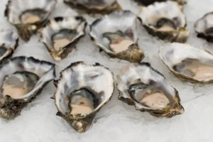 raw oysters on ice at one of the best seafood restaurants in downtown charleston sc