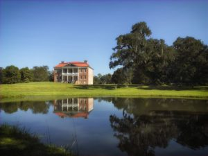 drayton hall in the summer, one of the best times to visit charleston sc