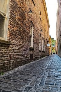 cobblestone alley you can find off of east bay street when taking one of the best charleston walking tours